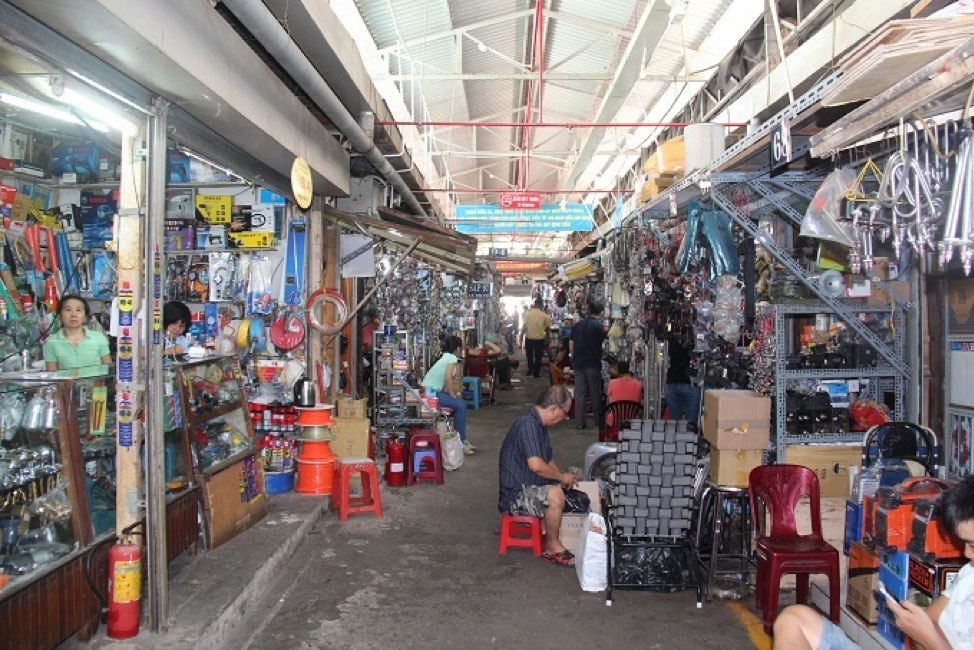 A famous place selling old things of Ho Chi Minh City