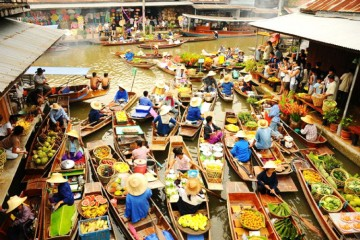 Explore 4 floating markets in Mekong Delta