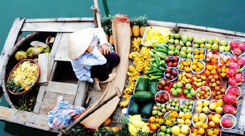 Long Xuyen floating market - An Giang