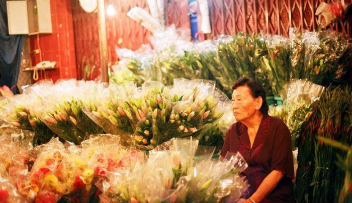 Discover Ho Thi Ky flower market in Ho Chi Minh City with beautiful flowers