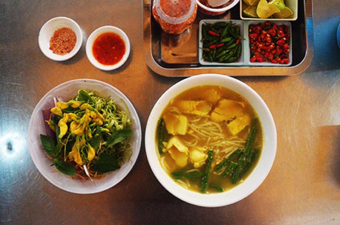 Tu Xe Fish Noodle Soup