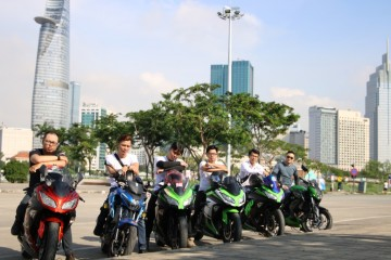 This tour is the first sport bike tour in Saigon