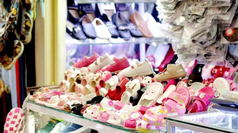 Shoes shop in saigon square