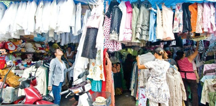 The clothes in Hoang Hoa Tham Market